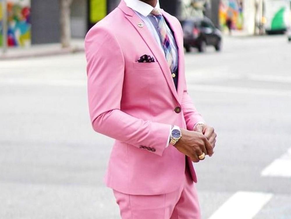 Mode pour homme : comment porter le rose ?